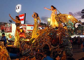 carnaval-la-paz-mermaids-bajainsider